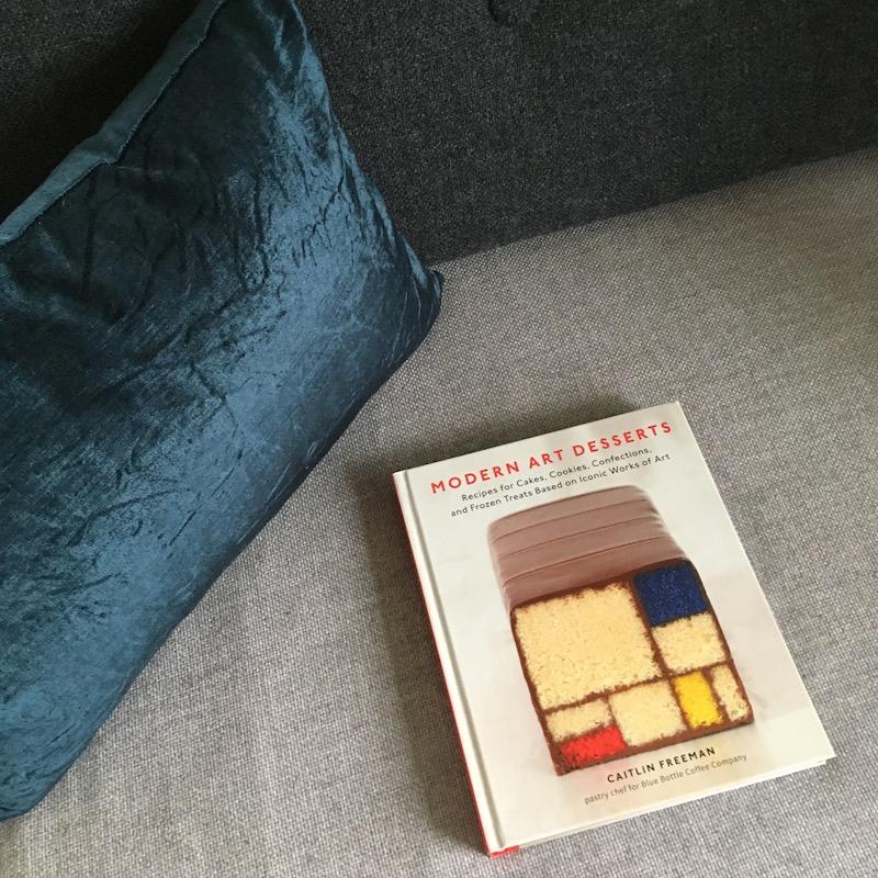 ケイトリン・フリーマン著『Modern Art Desserts』