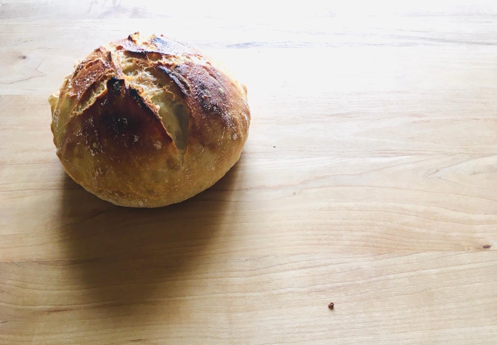 STAUBで捏ねないパンを作ろう!