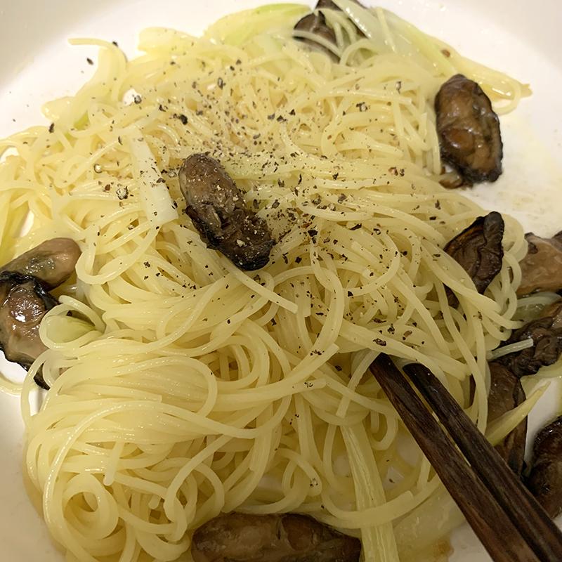 カルディの燻製牡蠣のオイル漬けで簡単パスタ